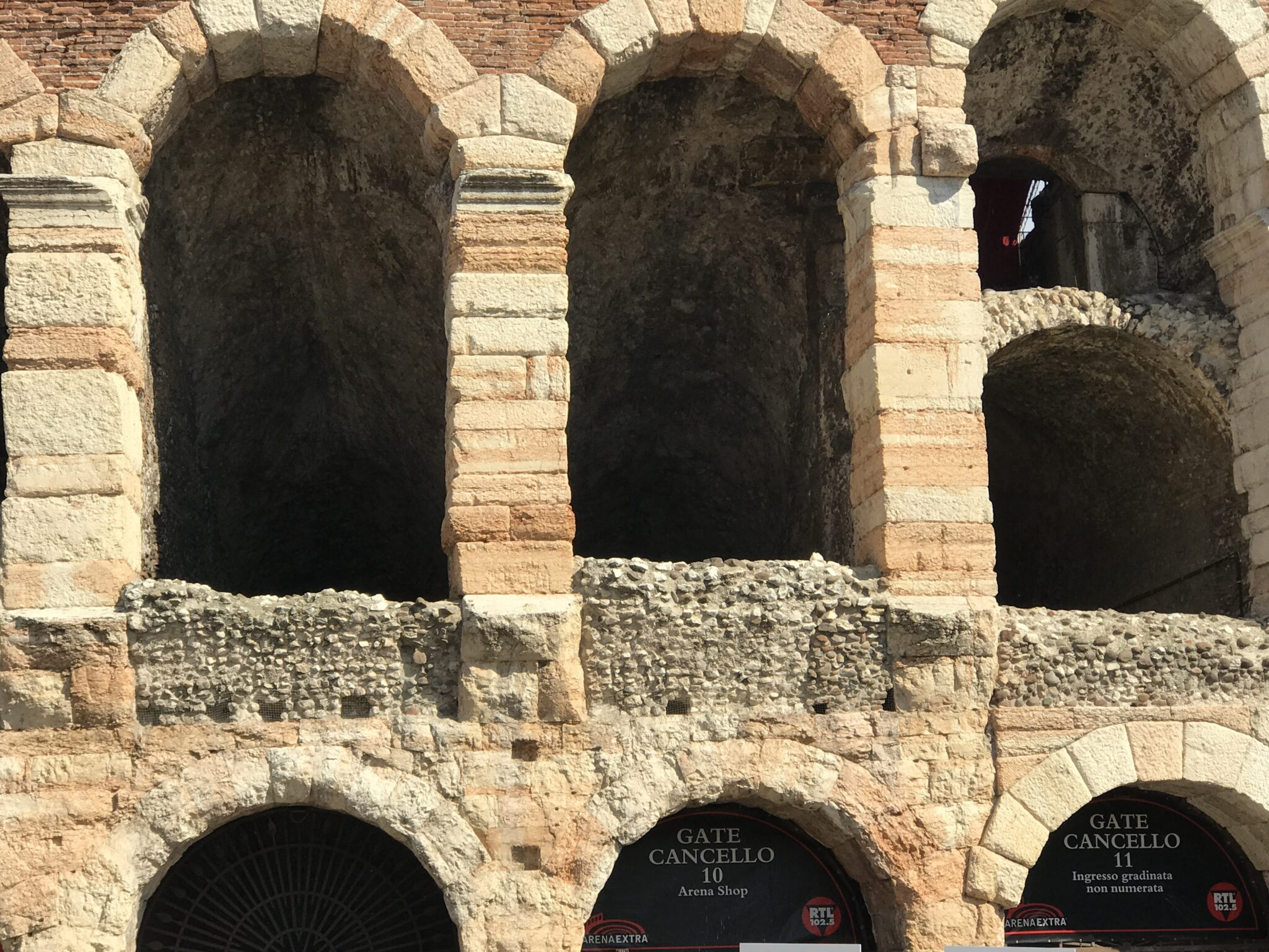 2017 – Verona Day 1 – The Modern & The Ancient